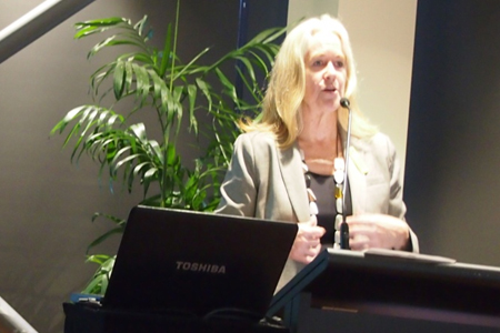 Professor Laura Poole-Warren, the Convenor of DDOGs, welcoming participants