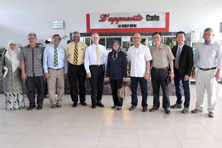 President Dean L. Bresciani (fifth from left) and Prof. Datin Paduka Dr. Aini Ideris, UPM Vice Chancellor with officers from both universities after the meeting.