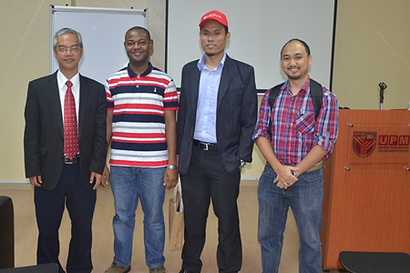 Mr. Ir. Aziz Ismail (first left) and Mr. Fareez Fahmi (third from left), with participants